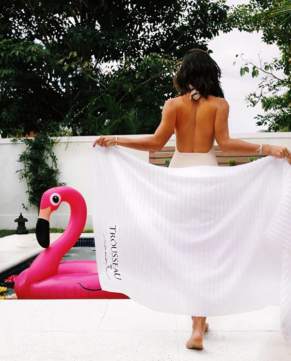 Luiza Sobral Toalha Piscina Flamingo Fhits House