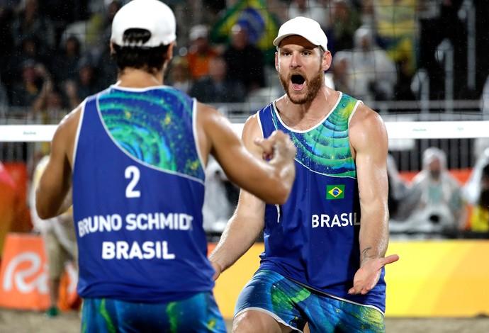 Alison e Bruno Schmid ganham ouro no vôlei de praia rio 2016