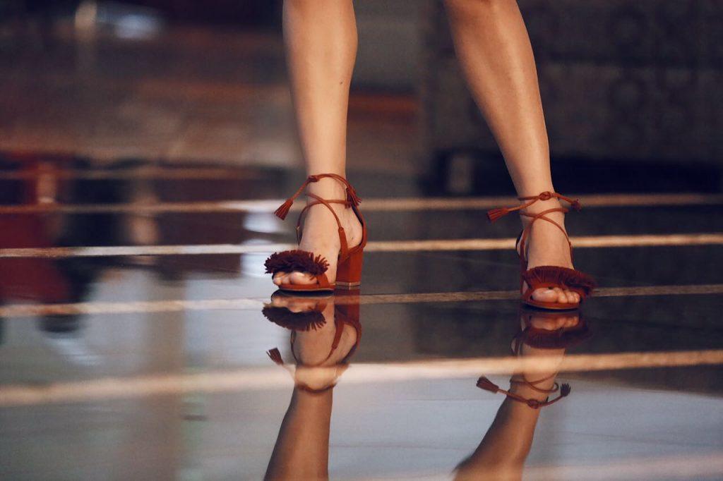salto-grosso-vermelho-sandália-amaro-luiza-sobral