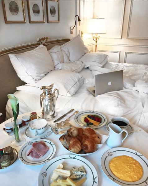 café-no-quarto-hotel-meurice
